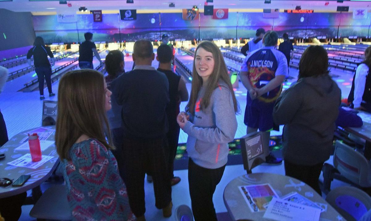 121717-nws-bowling1.jpg