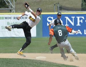 Larks sweep doubleheader from Flickertails