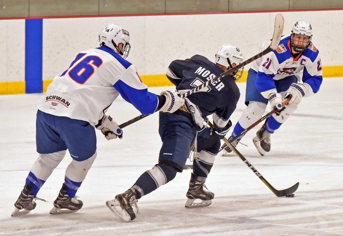 100819-spt-hockey1.jpg