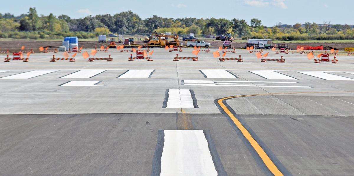 092117-nws-airport1.jpg