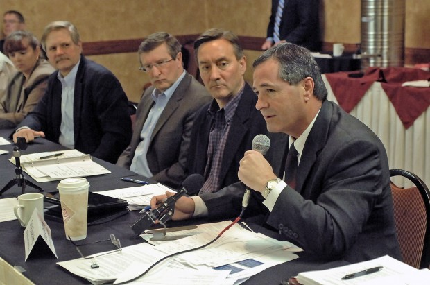 Federal, state officials hold farm bill roundtable