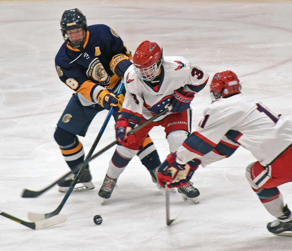 113019-spt-hockey3.jpg