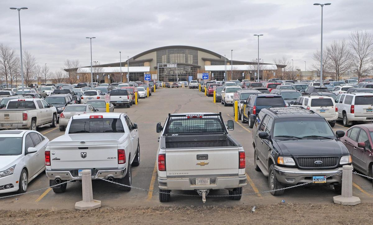 Parking at Bismarck Airport