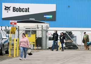 Bobcat suspending manufacturing for 2 weeks; 660 Bismarck workers impacted
