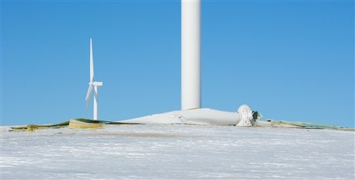 Wind energy project near Rugby resumes operation after tower blades ...