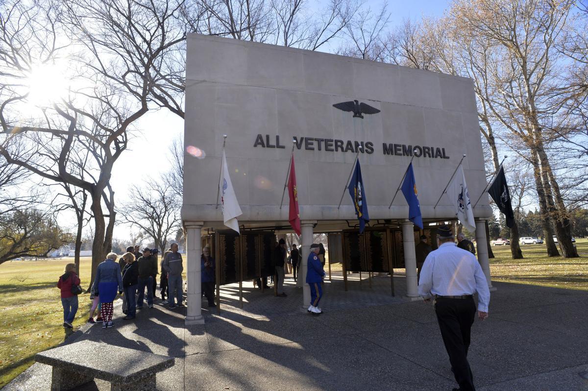 111216-nws-VeteransDay08