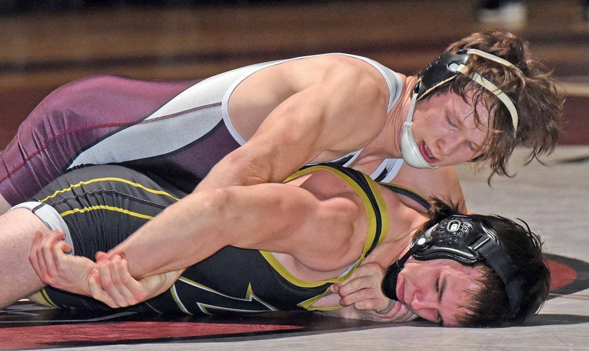 010821-spt-wrestle2.jpg