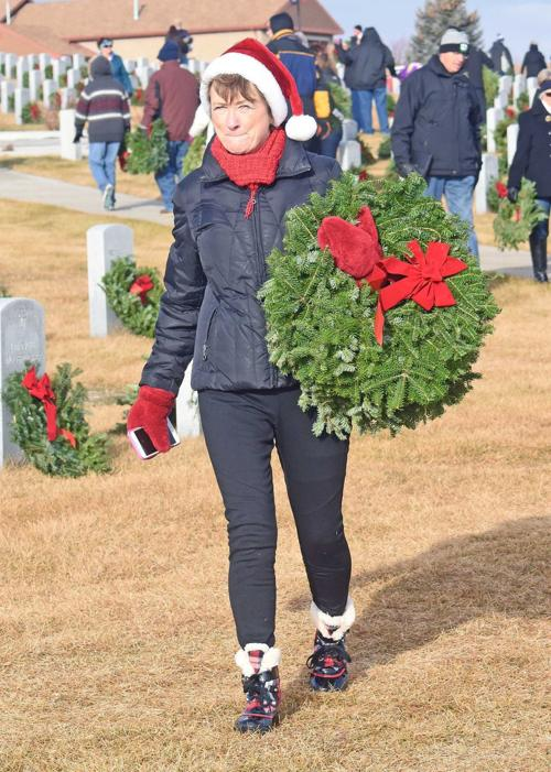 121717-nws-wreaths4.jpg
