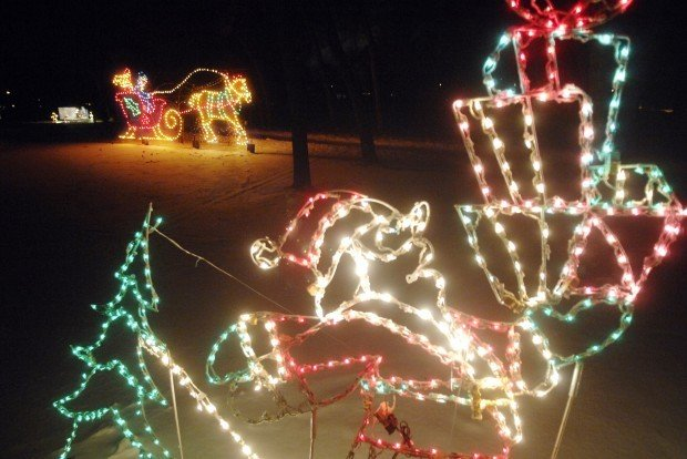 It S Christmas In The Park At Bismarck S Sertoma Park