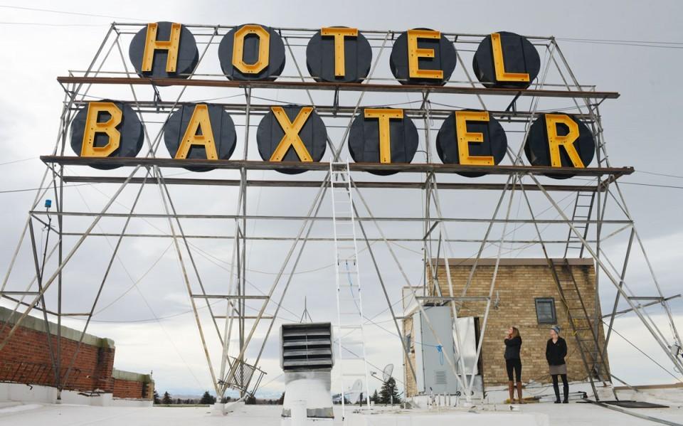 Hotel Baxter Sign Fix Up