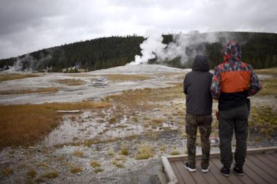 Snow closes Yellowstone road earlier than expected