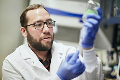 Dan Colman Researches Microbes in Eric Boyd Lab