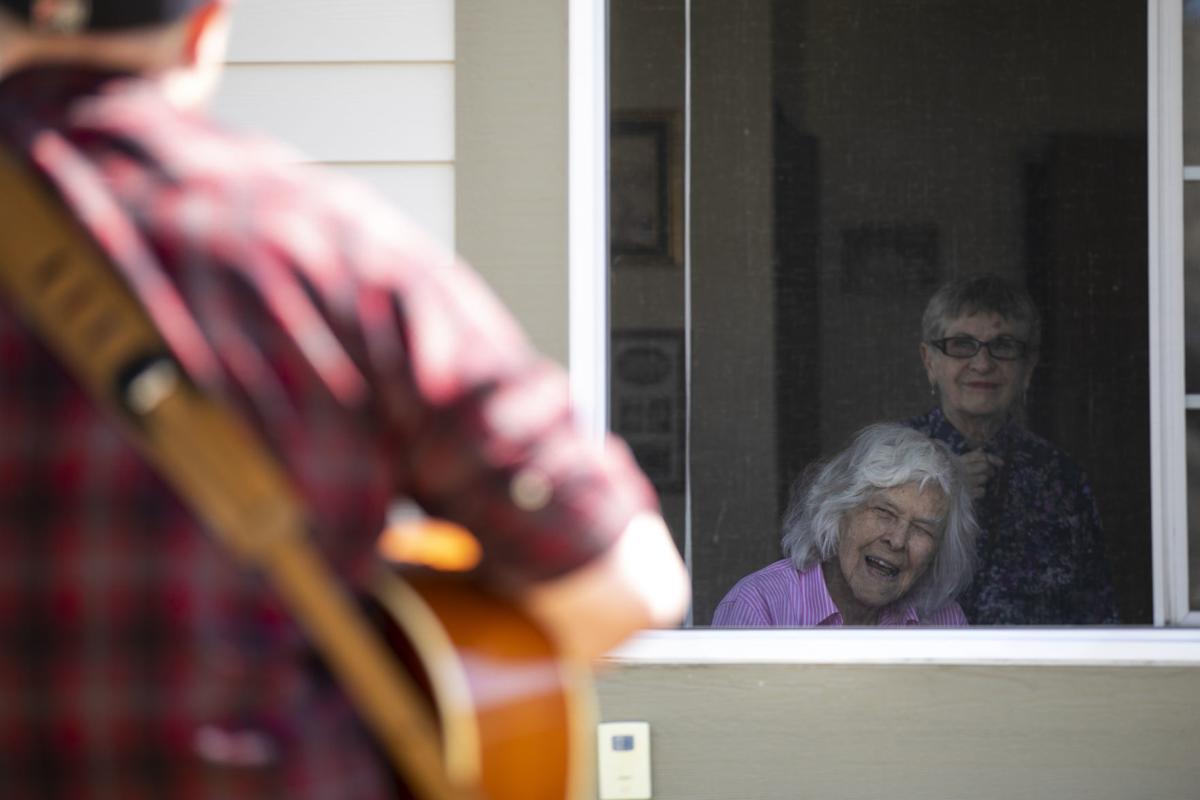 Dane Thompsen serenades seniors