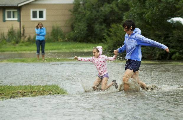 Burst water main floods town