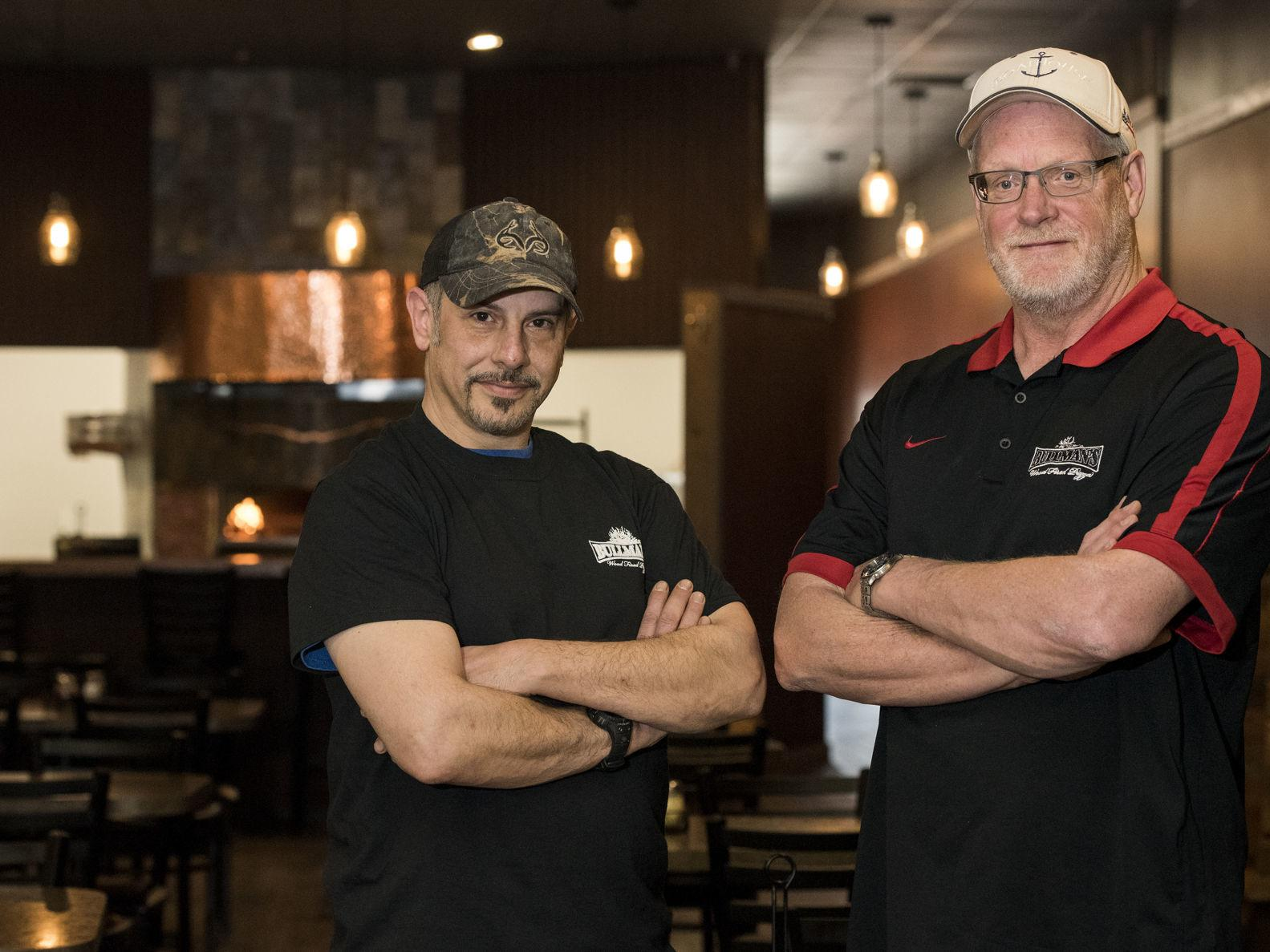 New wood-fired pizzeria opens in mall