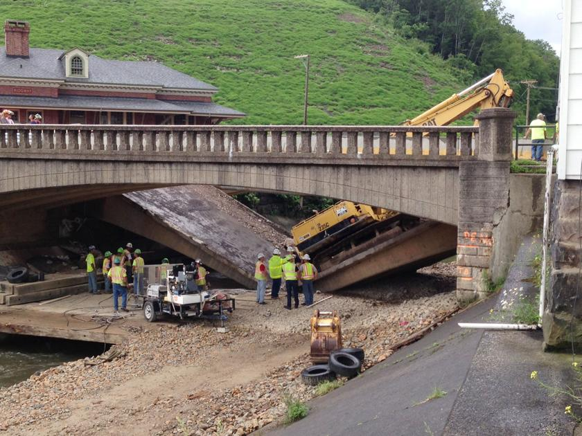 3 Hurt One Seriously In Ridgway Bridge Collapse The