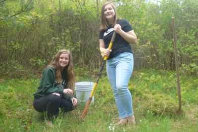 Fretz receives seedlings