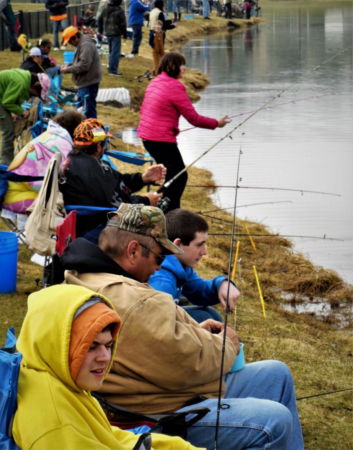 Fishing Crowd