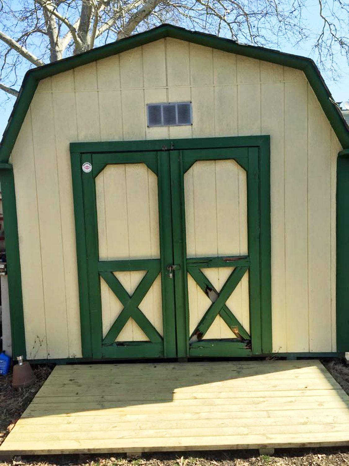Homes-Shed Hangouts
