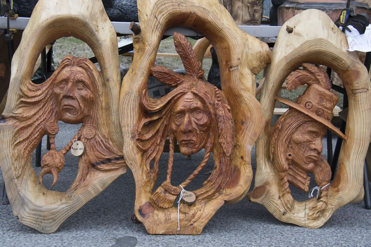 Chainsaw carvers rendezvous draws thousands of visitors news