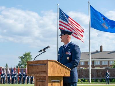 Woodruff addresses Honor Guard
