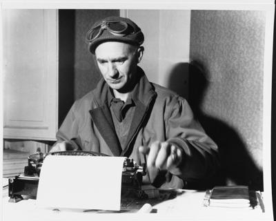Pyle with typewriter