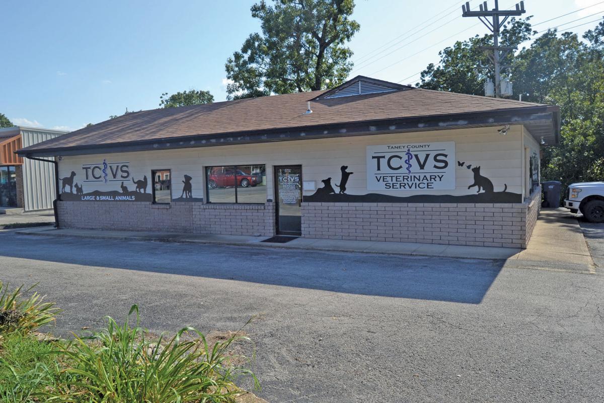 Forsyth Graduate Returns To Open Vet Clinic In Hometown News Free Bransontrilakesnews Com