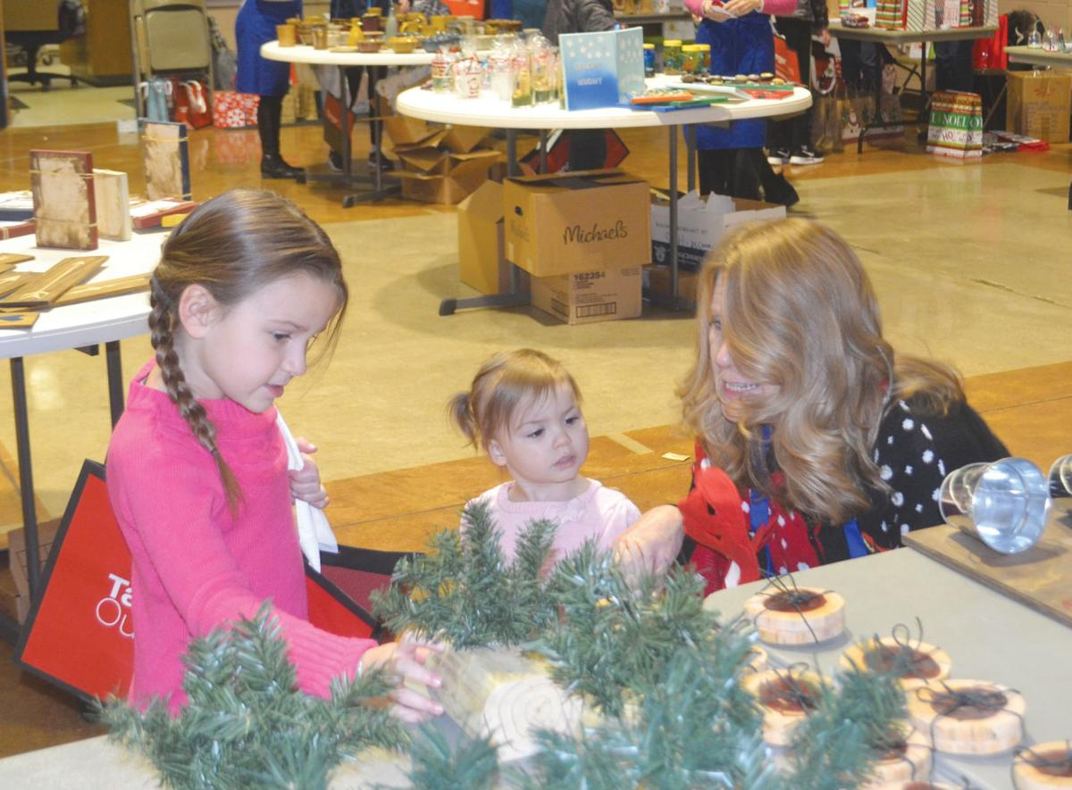 Santa\'s Gift House: Event helps children spread Christmas cheer ...