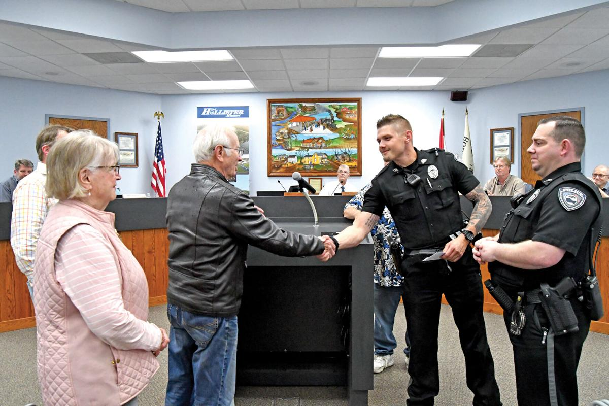Hollister Police officers thanks 3.jpg