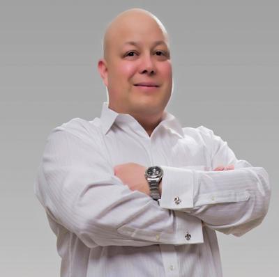 LeBlanc Headshot.jpg