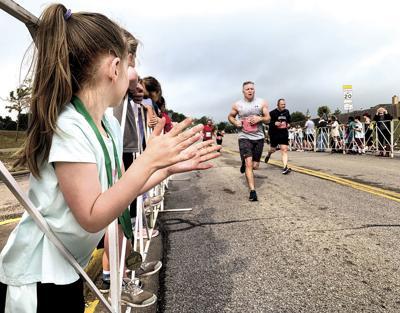Cheering on runners