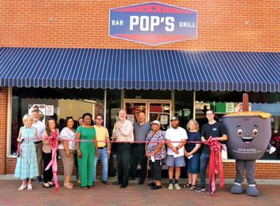Restaurant holds grand re-opening