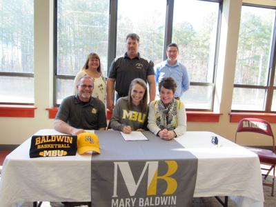 Saunders signs letter of intent
