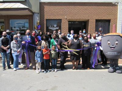 New business opens in Lawrenceville
