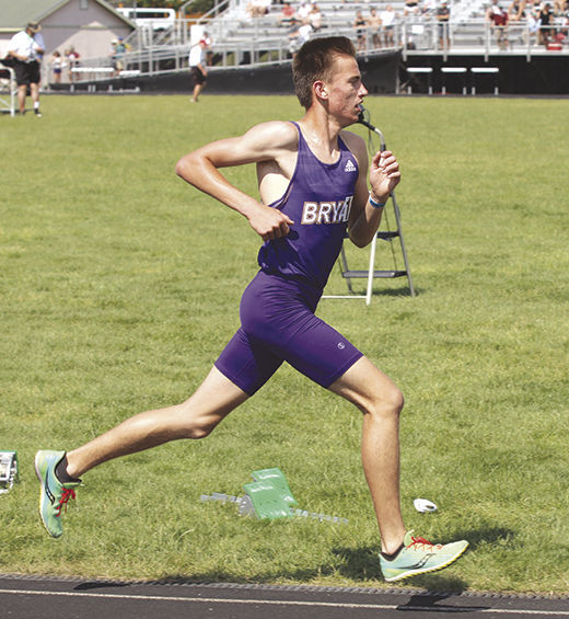 Bryan's Taylor runs in the 3,200
