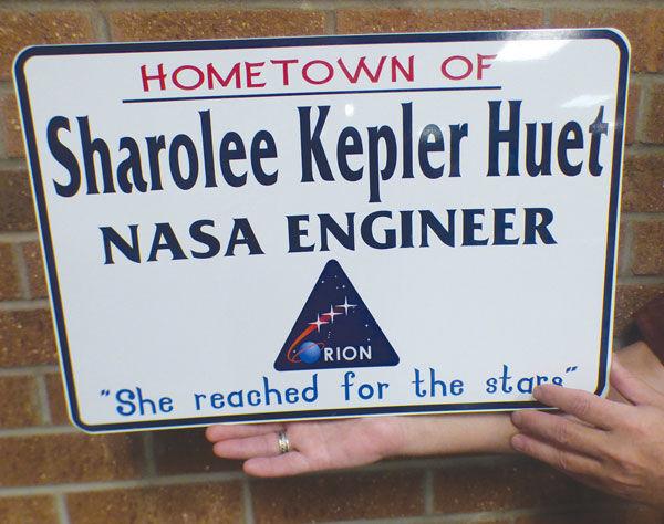 Sharolee Kepler Huet sign