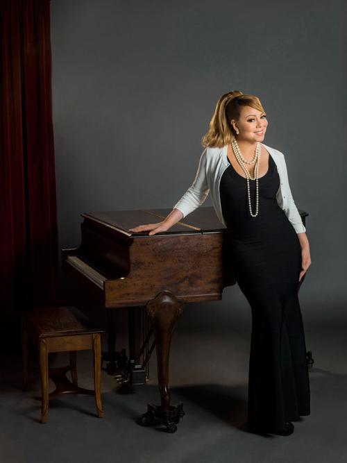 A Christmas Melody.Mariah Carey Shares A Christmas Melody As Actress And