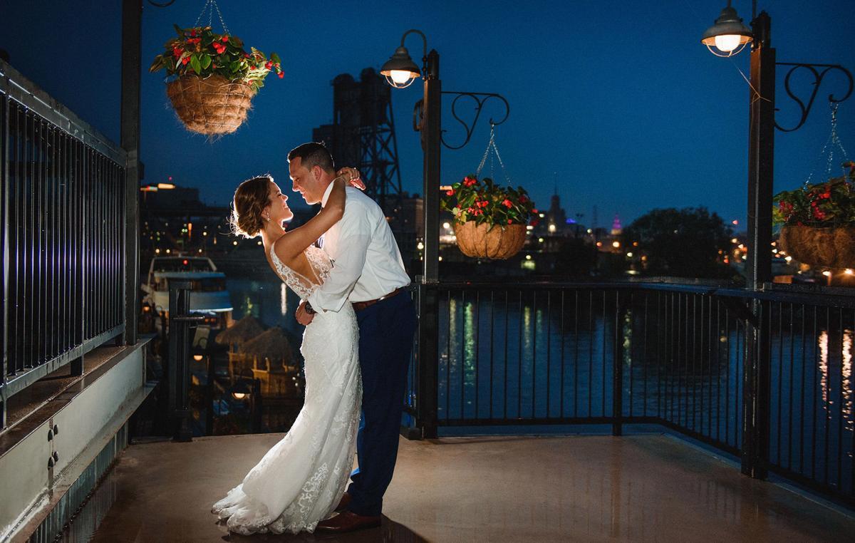 Carolyn-and-Andrew-WNY-Weddings-18