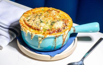 Buffalo-Magazine-Katie-Addo-Little-Club-French-Onion-Soup-1040x660