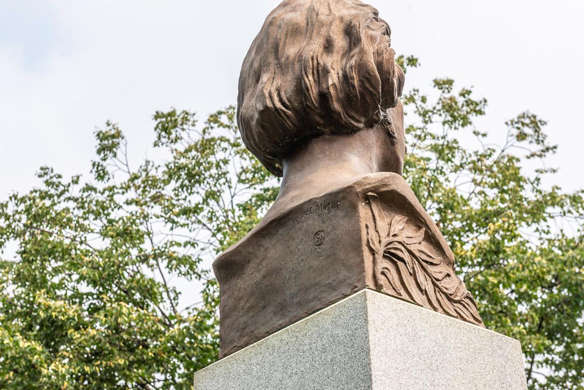 JosefMazur_Statue.jpg