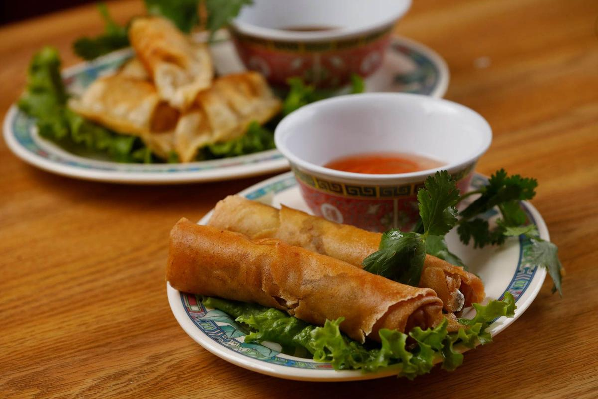 99 Fast Food's Vietnamese egg roll sets the standard