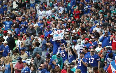1014215708 McCoy-Bills-fans- Miami-2019