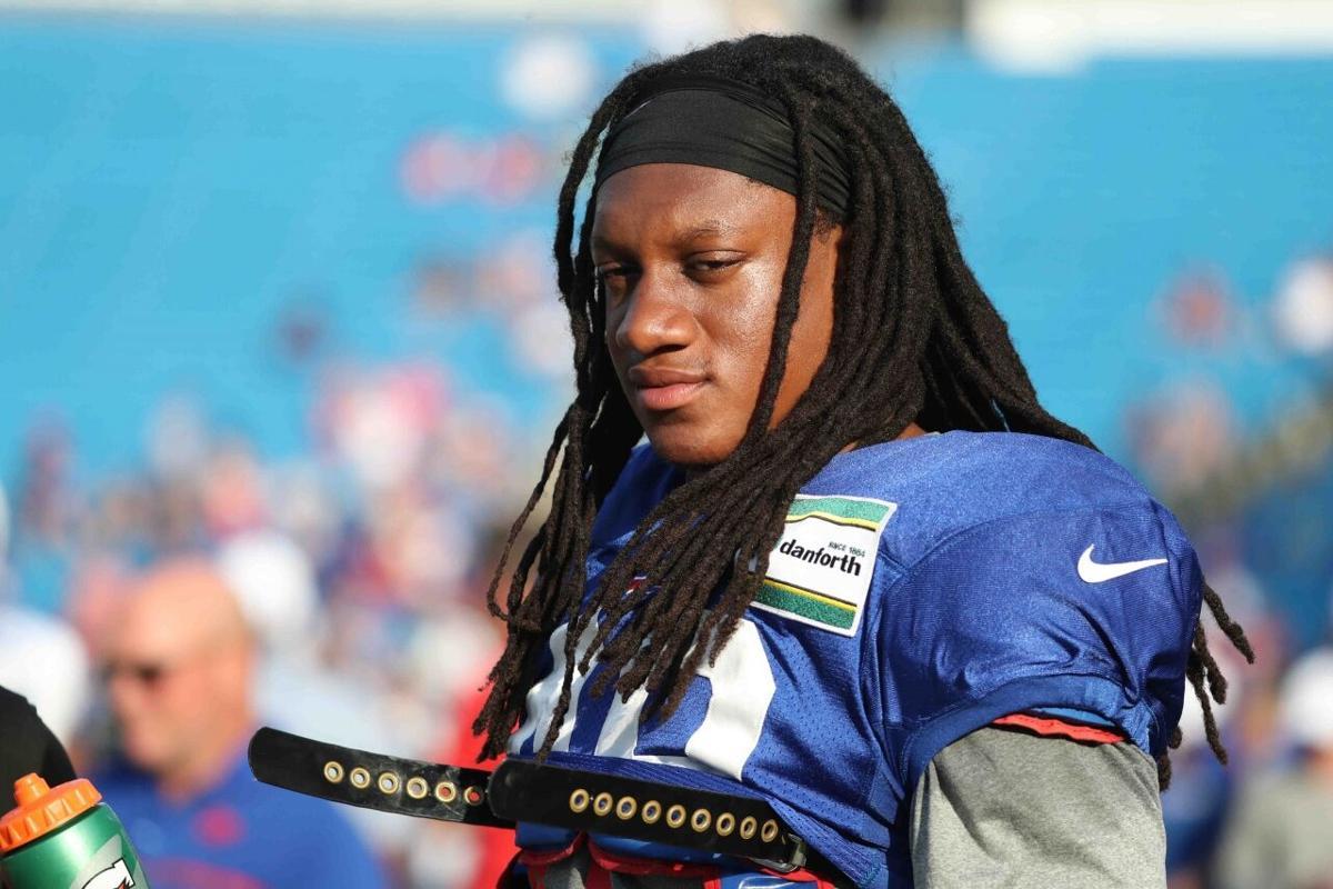 1013356961 McCoy Sports Bills Buffalo Bills middle linebacker Tremaine Edmunds (49) (copy)