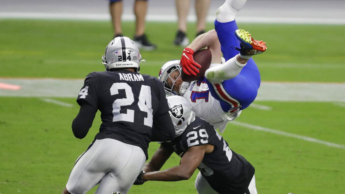 Upon Further Review Cole Beasley S Toughness On Display For Bills Last Two Weeks Buffalo Bills News Nfl Buffalonews Com