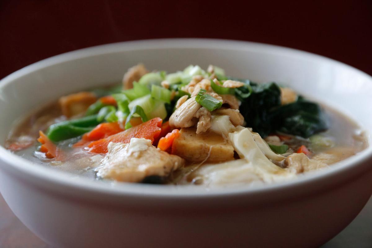 Lard na soup at Family Thai