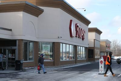 Price Chopper/Market 32 and Tops Markets plan to merge