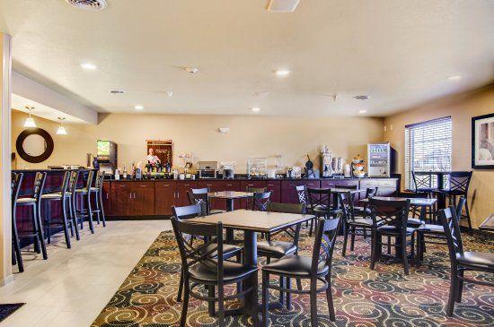 cobblestone-inn-suites1