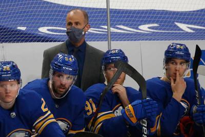 Granato behind the team (copy)