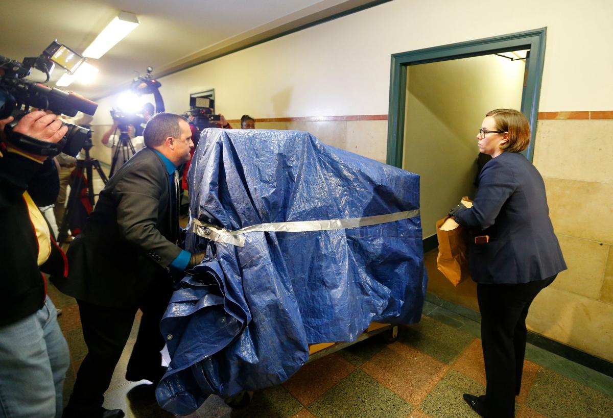FBI removes boxes from Buffalo City Hall