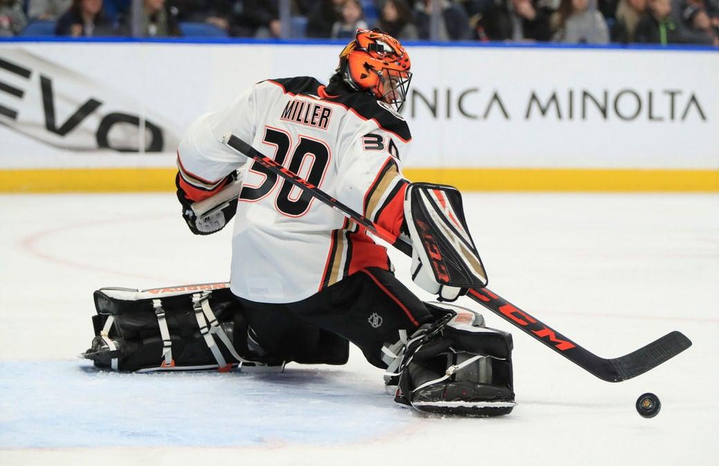 ryan-Miller-Sabres-Ducks-Scull